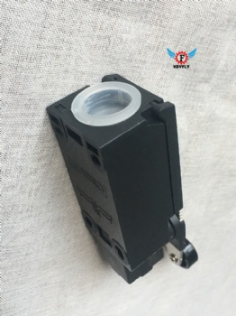 OMRON LIMIT SWITCH D4NA-412G